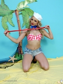 Cute Blonde Babe Danni King On Exotic Island In Bikini And Denim Hot Pants - Picture 9