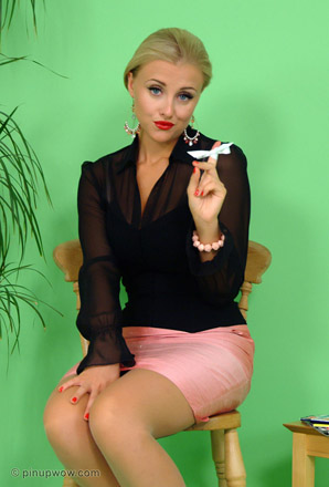 Today's Pin-Up | Pin-Up WOW!